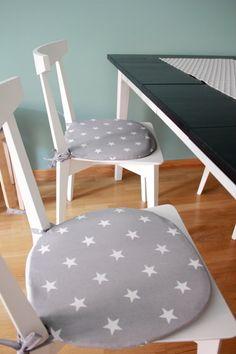 Uudet tuolit tarvitsevat istuintyynyt...Ei ehkä tähtiä kuitenkaan, mutta pidetään vielä tääkin mielessä.