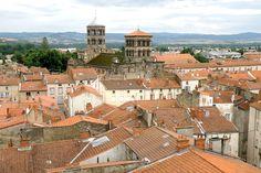 Clermont Ferrand, France 1, Belle Villa, Paris Skyline, Explore, Mansions, House Styles, Travel, Travel And Tourism