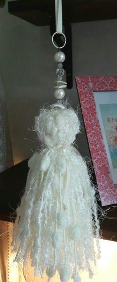 Borla de lana con detalle de bijoux