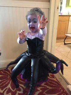 Estos 20 niños fueron la envidia del barrio con sus impresionantes disfraces para Halloween. Mermaid Costume KidsMermaid ...  sc 1 st  Pinterest & Original DIY Womanu0027s Chanel Bag Costume | Awesome kids | Pinterest ...