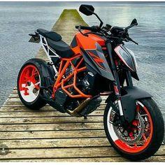 Image may contain: motorcycle and outdoor Duke Motorcycle, Duke Bike, Motorcycle Tires, Ktm Duke, Moto Bike, Yamaha R1, Ducati, Kawasaki Ninja 250r, Suzuki Gsx