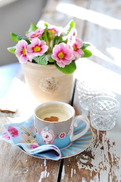 Coffee Break.. flawer im yes flawers and coffe