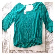 Teal silk blend top NWT from Maurice's very cute top light weight silk blend Maurices Tops Blouses