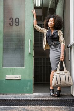 Natural hair - the working girl! Ok this might be for natural hair but look at that outfit! LOVE THAT SKIRT!