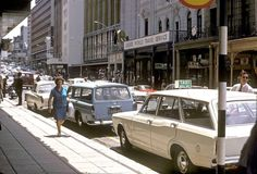 40 Wonderful Color Photographs Capture Street Scenes of Cape Town, South Africa from between the 1950s and 1970s