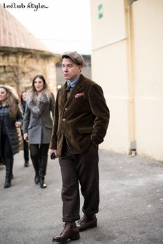 Menswear Street Style by Ángel Robles. Vintage style at Pitti Uomo. On the street, The Fortezza, Florence.