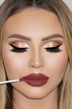 Festive Christmas Makeup Ideas ★ See more: http://glaminati.com/festive-christmas-makeup-ideas/