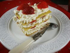 Try a French classic dessert in a healthy version: keto mille feuille with a delicious mascarpone cream.