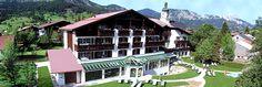 http://www.saegerhof.at  Das Vier-Sterne Hotel Sägerhof in Tannheim in Tirol liegt 1.100 Meter über dem Alltag und zeichnet sich durch barrierefreie Aktivitäten aus.