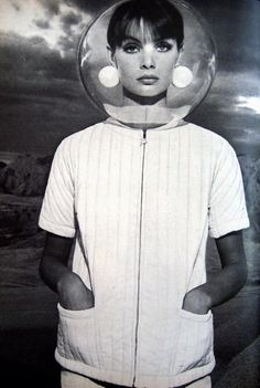 Richard Avedon was celebrating 20 years with Bazaar and was the Guest Editor and sole photographer. Jean Shrimpton was the cover girl and was featured in the space-themed editorial pages. Jean Shrimpton, Richard Avedon, Foto Fashion, Fashion History, 1960s Fashion, Fashion Mag, Space Girl, Space Age, Look Jean