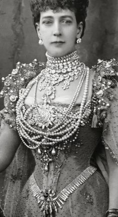 Tiara Mania: Queen Adelaide of the United Kingdom's Hanover Fringe Tiara worn as a belt by Queen Alexandra of the United Kingdom