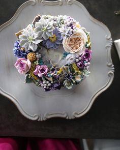 """청담 수케이크 (atelier soo) (@soocake_ully) på Instagram: """"ㅡ Noble. Soo. 고귀한 이미지를 가지고있는 보라색계열. 내가좋아하는 색들 ㅡ #flower #cake #flowercake #partycake #birthday…"""""""