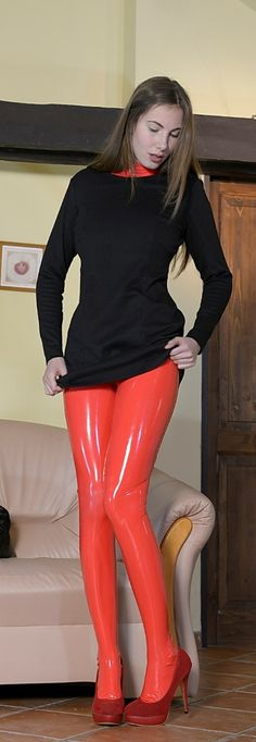 Shirt over Latex Nice Look
