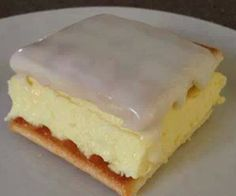 Ten Minute Vanilla Slice (otherwise known as Speedy Snot Block). Could try it with chocolate instant pudding too. Quick Easy Desserts, Just Desserts, Delicious Desserts, Dessert Recipes, Yummy Food, Food Product Development, Yummy Treats, Sweet Treats, Icing Recipe