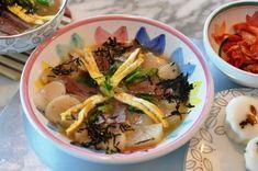 New Years Tteokguk #Korean Soup Recipe JenCooksKorean [Broth: Offal beef bones and brisket, daikon radish, scallions, garlic, onion, dried anchovies. Soup: soy sauce, sesame oil, Korean rice cakes, eggs for omelette, roasted nori slivers]