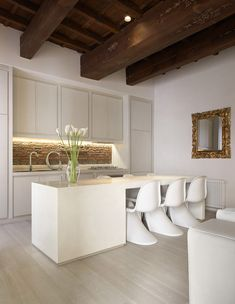 Beautiful White House In Rome 4 | KItchen, Dining room