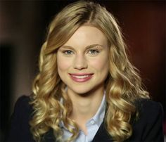 Lucy Fry as Lissa Dragomir