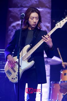 Lee Jungshin(CNBLUE) on Mnet M Countdown @20111230