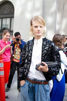 Model Hanne Gaby Odiele at Phillip Lim. New York Fashion Week Street Style, Street Style Women, Star Fashion, New Fashion, Street Style Looks, Look Chic, Bohemian Style, Style Me, Style Inspiration