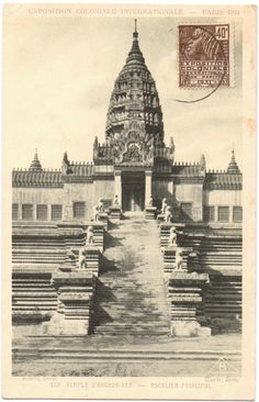 Repro d'Angkor Vat à l'expo coloniale de Paris 1931. Source de la photo : collection personnelle de cartes postales anciennes.