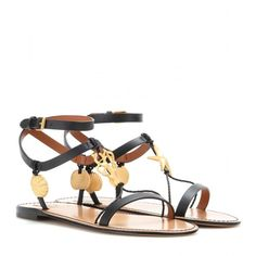 Valentino Embellished Leather Sandals (44.095 RUB) ❤ liked on Polyvore featuring shoes, sandals, black, black sandals, leather sandals, kohl shoes, black embellished shoes and decorating shoes