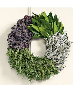 Love the simplicity of this -- beautiful lavender and green hues. || Cooks Herb Wreath @Gayle Roberts Merry Homes and Gardens