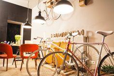 Hello World Berlin — Showroom bikes