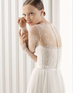 rosa clará - wedding dress - bridal - rosa clará - 2012 - armilla - rebrodé lace body and pleated tulle skirt, in natural