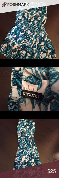 Blue island romper H&M size 6 Adorable Romper . Worn once. Will fit small and medium H&M Pants Jumpsuits & Rompers