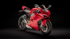 Ducati has revealed the new Panigale ahead of the bike's official global public debut at the EICMA show later on this week. Replacing the 1299 at the top of the company's supersport range, the new model is the first mass-produced Ducati bike to […] Motogp, Ducati Superbike, Ducati Motorcycles, Arsenal, New Ducati, Moto Ducati, Mens Gear, Supersport, Sport Bikes