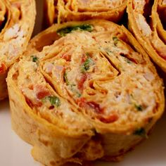 Chicken Enchilada Dip Roll-Ups The Best Chicken Enchiladas Grilled chicken & pasta with tomato cream sauce Grilled Chicken Pasta Salad Delic. Finger Food Appetizers, Yummy Appetizers, Appetizer Recipes, Snack Recipes, Cooking Recipes, Snacks, Cookbook Recipes, Drink Recipes, Chicken Enchilada Dip