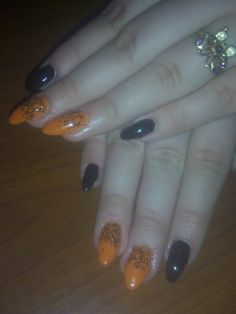 Beautiful Halloween nails, perfect for scarying your friends and family!