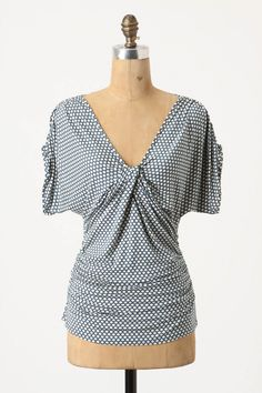 love this neckline and the cut-- very flattering for us small-waisted yet curvy gals