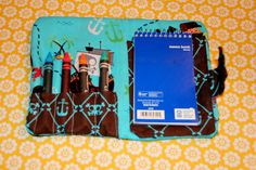 Fun art party favor idea from The DIY Darling ~ a DIY crayon wallet (with full tutorial)