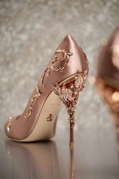 Ralph and Russo rose gold wedding pumps with ornamental filigree leaves spiralling up the heel // Beautiful bridal shoes inspiration {Facebook and Instagram: The Wedding Scoop}