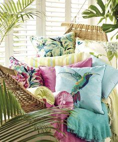 〚 Tropical collection Palm House by Laura Ashley 〛 ◾ Photos ◾Ideas◾ Design Interior Tropical, Tropical Home Decor, Tropical Design, Tropical Houses, Tropical Furniture, Tropical Prints, Tropical Colors, Décor Tropical, Tropical Outdoor Decor