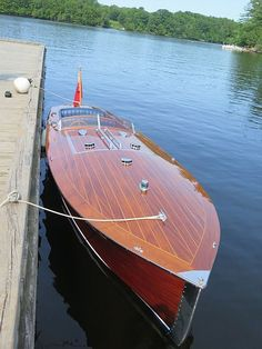 Wooden Boat Building, Boat Building Plans, Wooden Speed Boats, Classic Wooden Boats, Cabin Cruiser, Vintage Boats, Boat Projects, Float Your Boat, Cool Boats