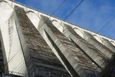 Contrafortes da presa de Chandrexa