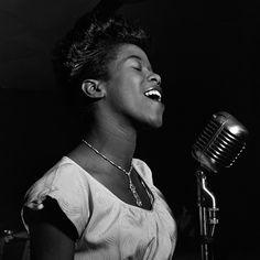 Sarah_Vaughan_no_Cafe_Society_Nova_iorque_Agosto_1946_23
