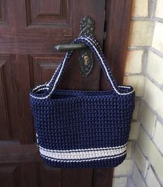 With a fun lining. Shopping basket - Crochet bag - Summer Beach bag - Stylish handbag - Shoulder bucket bag - Top Handle bags by CutecraftsLT on Etsy Handmade crochet bag from rope will be the best accessory or a gift for you or your friend! Crochet Market Bag, Crochet Tote, Crochet Handbags, Crochet Purses, Crochet Shell Stitch, Bead Crochet, Diy Crochet, Blue Handbags, Bucket Bag