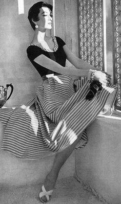 Dovima sporting stripes for Vogue, 1953.