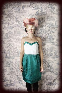 robe corset bustier cuir vintage retro 60's par ManonLauraVintage, €45.00