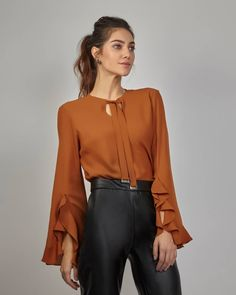 20 Types Of Sleeves For Dresses In Interesting Styles – Fashion Blouse Styles, Blouse Designs, Hijab Fashion, Fashion Dresses, Hijab Stile, Beautiful Blouses, Designer Wear, Types Of Sleeves, Dress To Impress