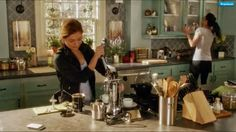 The Little White House On The Seaside: Rizzoli, Isles & the kitchen  I enjoy watching this show in part because of the gorgeous set design for the house of Dr. Maura Isles.