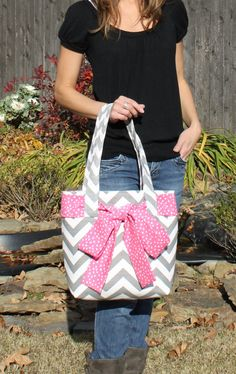 I may have to get this! Such a cute diaper bag!!