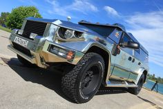 The most expensive SUV in the world is Dartz Kombat Gold - the most expensive SUV in the world.  Fabulous high cost of this machine because it is armored and gilded.  Mere mortals can see the Dartz Kombat Gold on the silver screen - the last film by Sacha Baron Cohen's The Dictator.  the most expensive SUV in the world