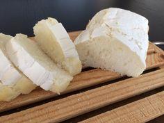 Ricetta pane aproteico fatto in casa: buonissimo! | Per mano insieme Camembert Cheese, Dairy, Pane, Bread, Food, Diet, Canning, Brot, Essen