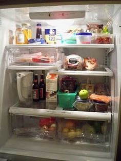My Fridge Food - Click off the stuff you've got in your fridge/pantry and it will return recipes you can make with it!