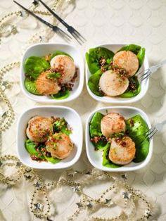 Gebakken sint-jakobsnoten met een slaatje van jonge spinazie en crumble van hazelnoot en sesam | Spar