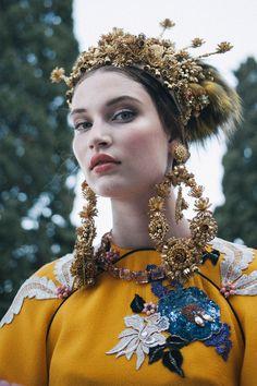 Beautiful headpiece and earrings at Dolce & Gabbana Alta Moda Autmn 2015 in Portofino